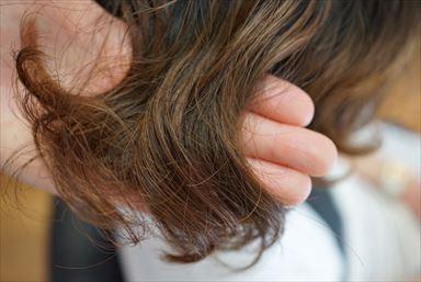 なぜ?髪の毛が傷んでしまう原因